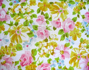Vintage Sheet Fabric Fat Quarter - Pastel Rose Floral - 1 FQ
