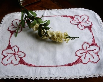 "Centerpiece doily, small runner, oblong, cross stitched, hand embroidered, Linen doily, French Linen, Red and White, 16x12"", table linen"