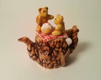 Cardew Miniature teapot Teddy Bear picnic
