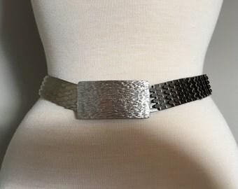 Vintage SILVER BUCKLE BELT/Stretch Belt/Fish Scale Belt/size Small-Medium