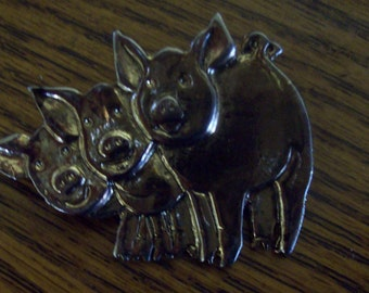 3 Little Pigs Brooch Pin/ Gold tone Pig Brooch