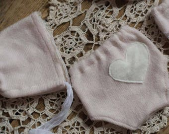 Newborn Diaper cover and bonnet, photography prop