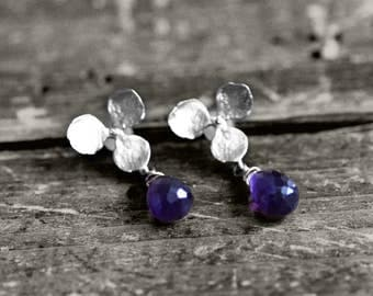 FLOWER SENSE Studs with flower and gem | silver
