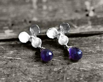 FLOWER SENSE Studs with flower and gem   silver