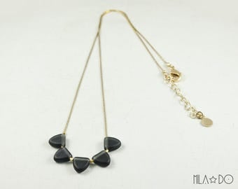 Orus necklace, gold and black || Geometric and minimalist modern necklace