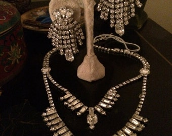 Festoon demi parure necklace earrings Kramer glitz glitter rhinestones, drippy dangly chandelier