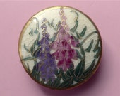 Satsuma button, antique.   A lovely button featuring pink & purple bell flowers accented with gold lustre, gold lustre rim.  c1890's-1900.
