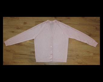 Vintage baby pink classic granny long sleeve knitted cardigan, size medium