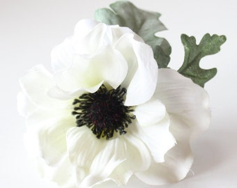 Anemone Boutonniere - Pack of 4