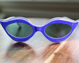 Vintage Unique Blue Cat Eye Sunglasses Mod 1970s Estate Sale Find for collection