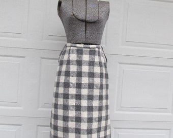 1970s gray and white checkered wool skirt, A-line skirt, vintage wool skirt
