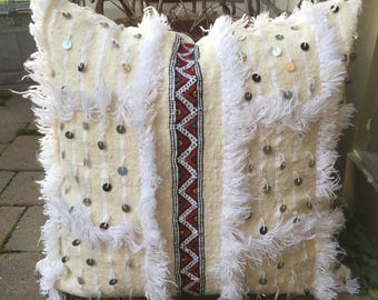 SALE !!! 22 inch moroccan handira wedding blanket pillow cover