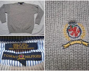 Vintage Retro Men's 90's Tommy Hilfiger Sweater Grey Knit Lion Crest Crewneck Large