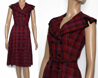 Vintage 1940s Dress //Black Red//Glass Buttons// Seed Beads//Cording// Shawl Collar//Sleeveless// Rockabilly // Couture