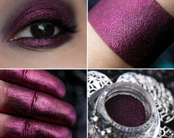 Eyeshadow: Knowing the Futility of Existence - Nomad. Black-burgundy eyeshadow by SIGIL inspired.