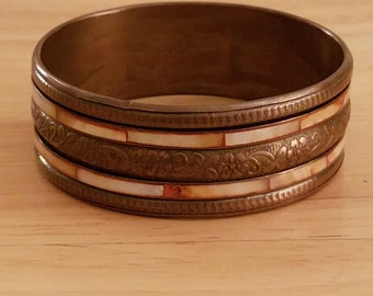 Beautiful Vintage Brass And Mother Of Pearl Bangle Bracelet