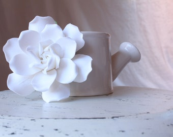White Gardenia hair flower. Hair clip polymer clay flower for wedding.   Gardenia on alligator clip.
