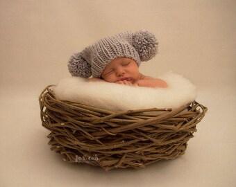 Knitted newborn baby pom pom hat boy silver - 0 to 3 months - grey gray neutral baby boy girl unisex - photo prop - hand knit - baby shower