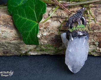 Wolf necklace. Quartz crystal necklace. Raw quartz necklace. Moss necklace. Quartz jewelry. Crystal jewelry. Moss jewelry. Wolf jewelry