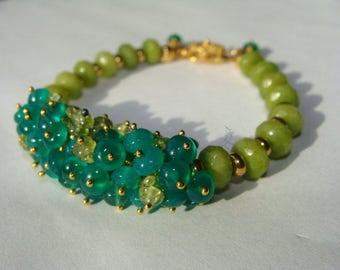 Peridot and Green Onyx Cluster Bracelet in 14K Gold Vermiel