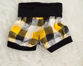 9-12 month black white and yellow checked shorts. boy shorts. little lapsi yoga waist shorts