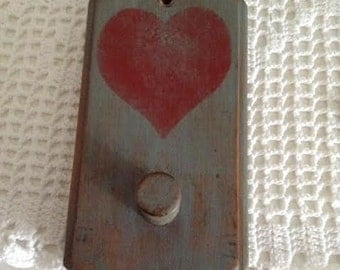 Wood Peg Hook - Folk Art Heart Stencil