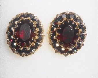 14K Garnet Earrings 2.50ct Pierced Yellow Gold Vintage Estate
