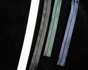 Lot of 4 separating zippers  black, navy, white, green