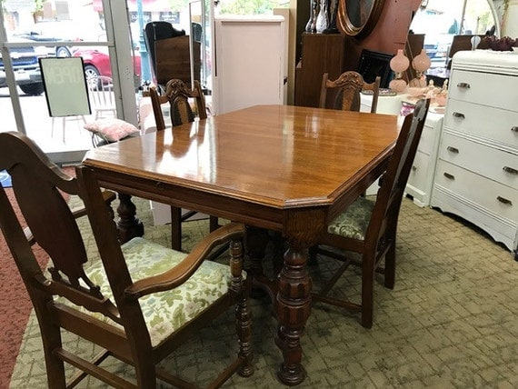 1920's Dining Table and 6 chairs with butterfly leaf