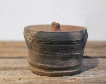 little Terracotta Rustic Jar with lid. Wood fired pottery