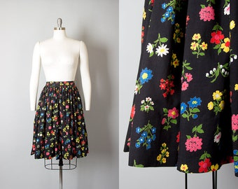 Vintage 1950s Skirt | 50s Black Floral Cotton Full Skirt (small)
