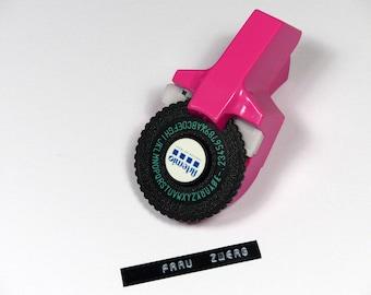 Label Maker labeling device click-click
