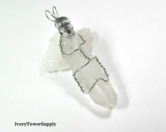 Quartz Crystal Point Pendant, Wire Wrapped Pendant, Gemstone Pendants, Semi Precious Stone, Clear Beads, Focal Pendant