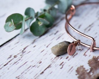 Pebble bracelet | Pebble bangle | Beach pebble bracelet | Bangle bracelet | Copper crystal bracelet