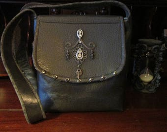 Steampunk Gothic Heart and Key Gray Shoulder Bag -- Crystal Key Keeper