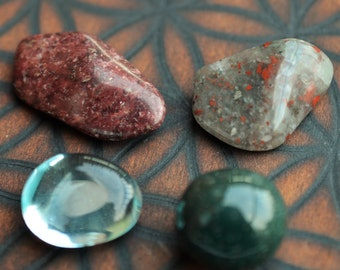 Grounding set: Red wine quartz, bloodstone, seftonite & blue obsidian