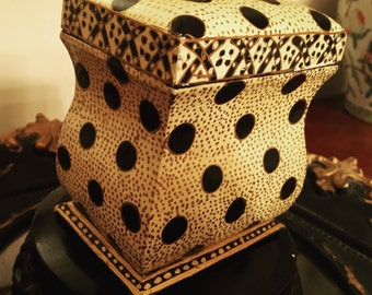 Vintage Italian Lacquer Bombe Bombay Wooden Gold and Black Box with Dots