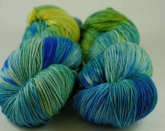 Hand Dyed Yarn - MCN Fingering - 'Parakeet' - 400 yards - 70/20/10 Superwash Merino/Cashmere/Nylon