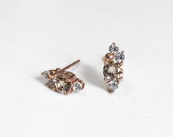 Berry studs | White Sapphire | Silver earrings