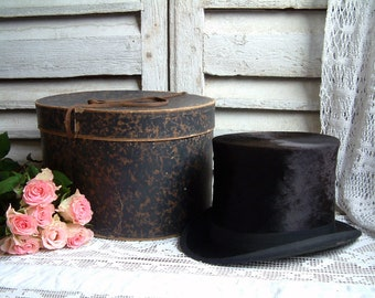 Antique French top hat / beaver hat in its original faux tortoise shell paper hat box. Victorian. Edwardian. Steampunk. Top hat with box