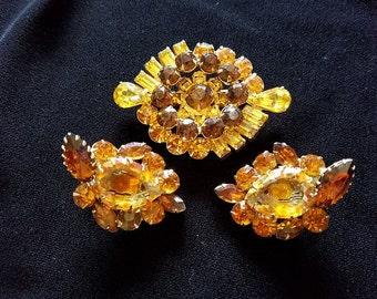 Demi-Parure set of Golden- Jewels Brooch and earring set