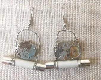 Steampunk earrings, steampunk jewelry, silver watch jewelry, wire wrapped earrings, gear earrings,fuse jewellery,fuse earrings