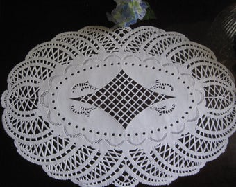 "10.5 X 14.5"" Inch large Oval Ultra Fine Delicate White PAPER LACE Doilies Craft Cards Valentines 10 Pcs"