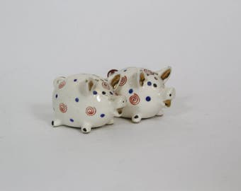 Vintage Polka Dot Piggy Bank Style Pig Salt and Pepper Shakers Kitsch