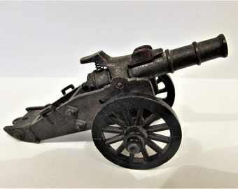 Vintage Novelty pencil sharpener- cannon  /MEMsArtShop.