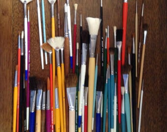 vintage grumbacher paintbrushes. lot of 50, new old stock