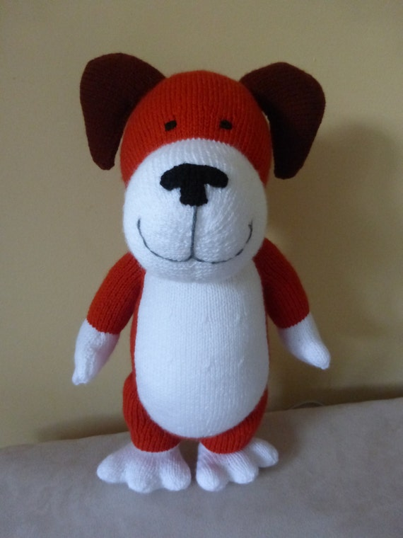 Kipper the dog. Ideal for any age group 100% hand knitted.