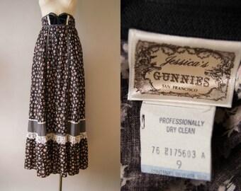 vintage 1970s skirt / 70s Gunne Sax maxi skirt / small