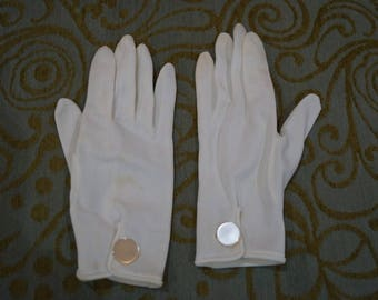 Vintage White Gloves With Large Flat Pearlescent Button At Top of Wrist Size 7
