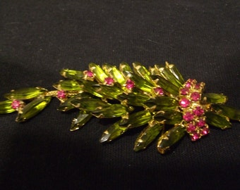 Vintage Articulated Shoulder Brooch, Realistic Peridot and Ruby Colored Stones,  Old Unmarked Moveable Shoulder Sitter Pin